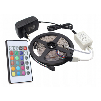 Krāsaina , Ūdensnotūrīga LED RGB SMD 3528 lente ar pulti un adapteri 5m IP44 LED RGB lentes