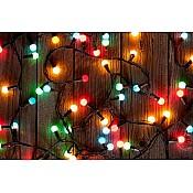 Ziemassvētku virtenes un dekorācijas